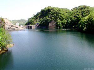 新鳥崎大橋から見たダム湖