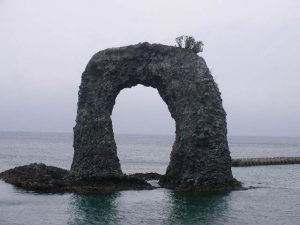 ナベツル岩