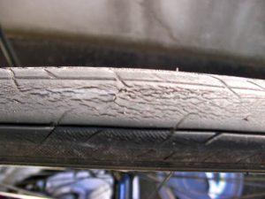 4800km走行後のタイヤ1